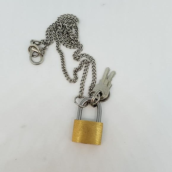 GASOLINE GLAMOUR Other - Gold lock and keys necklace new